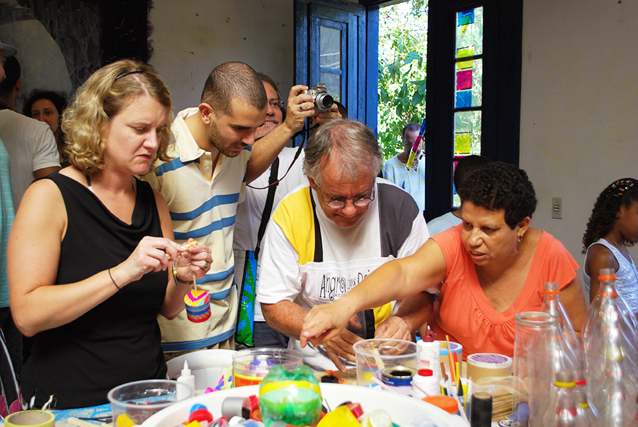 Oficina com o artista Deneir no ateliê de Marcos Cardoso