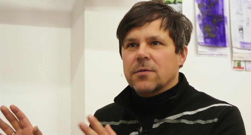 Oliver Kochta-Kalleinen: artista e um dos idealizadores do projeto Coro de Queixa