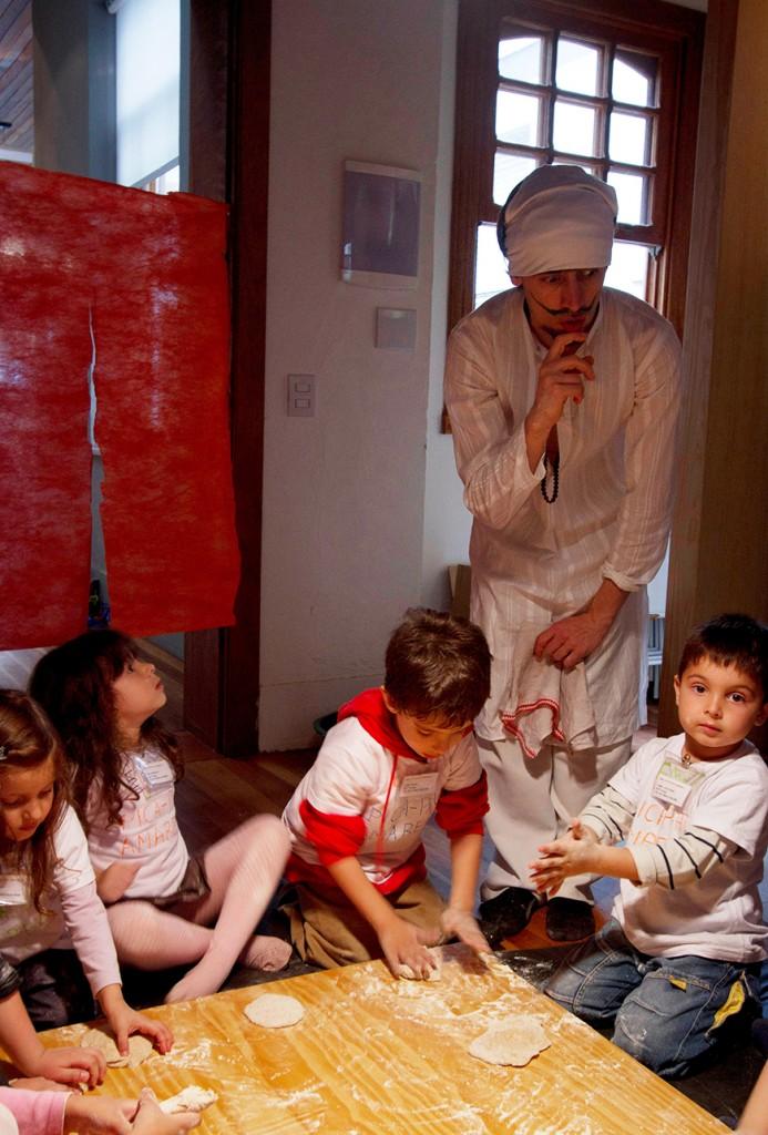 Bread workshop at Casa M. Photo: Cristiano Sant'Anna