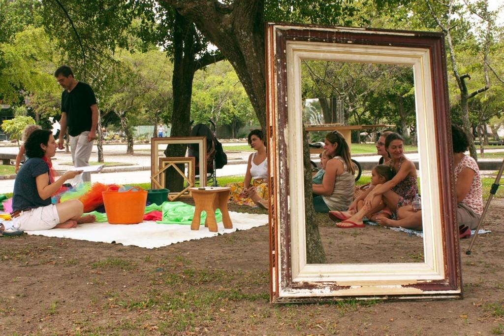 Family Progam: Jardim Ateliê Imagem 8 Artist Artur Barrio and Stefânia Paiva, mediator. Praça XV, Rio de Janeiro Imagem 9 NADA x NADA é = a TUDO (Nothing x Nothing = Everything, artist Artur Barrio comment after visiting Oiticica's PN16 Nada (Nothing)