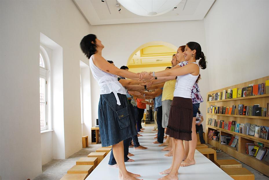 Encontros de aprofundamentos: workshop com a coreógrafa Andrea Jabor