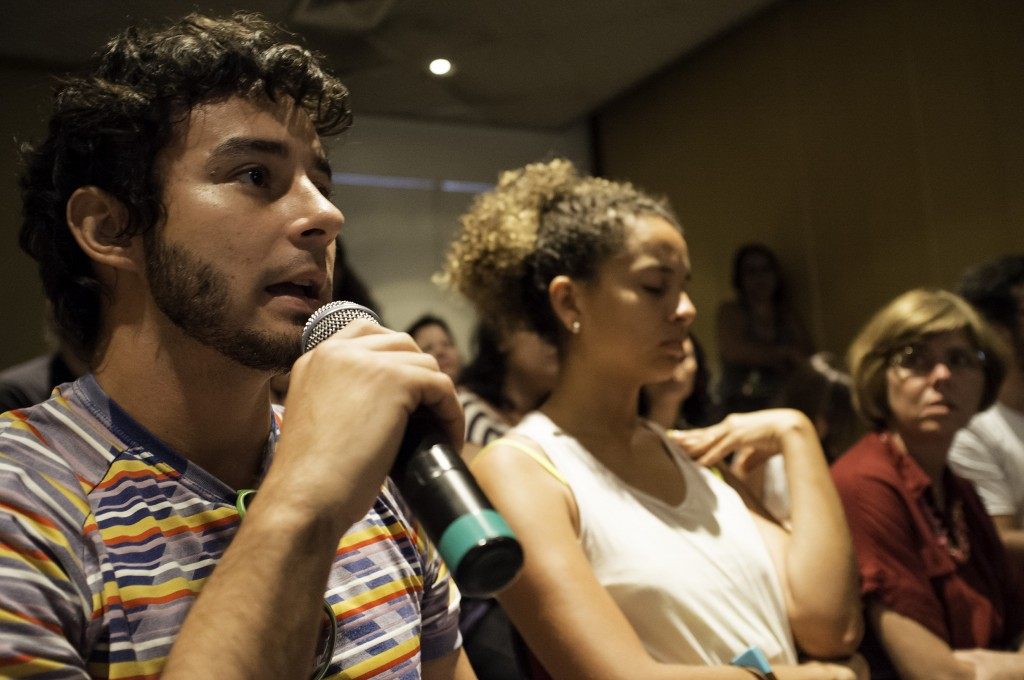 International Seminar: Art & Environmental Action, MAC Niterói. Photo: Paulo Batelli
