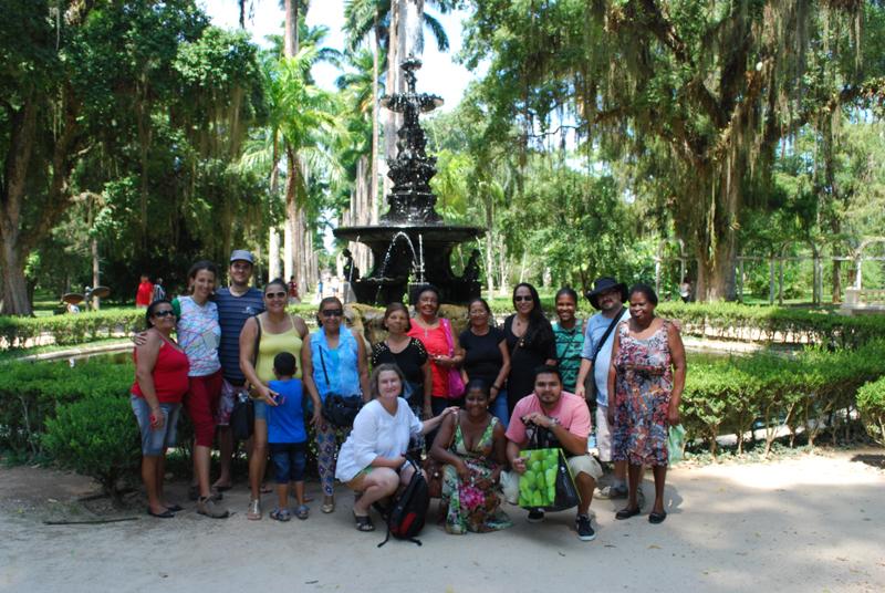Visita do grupo do Morro do Palácio no Jardim Botanico. Foto autor desconhecido.